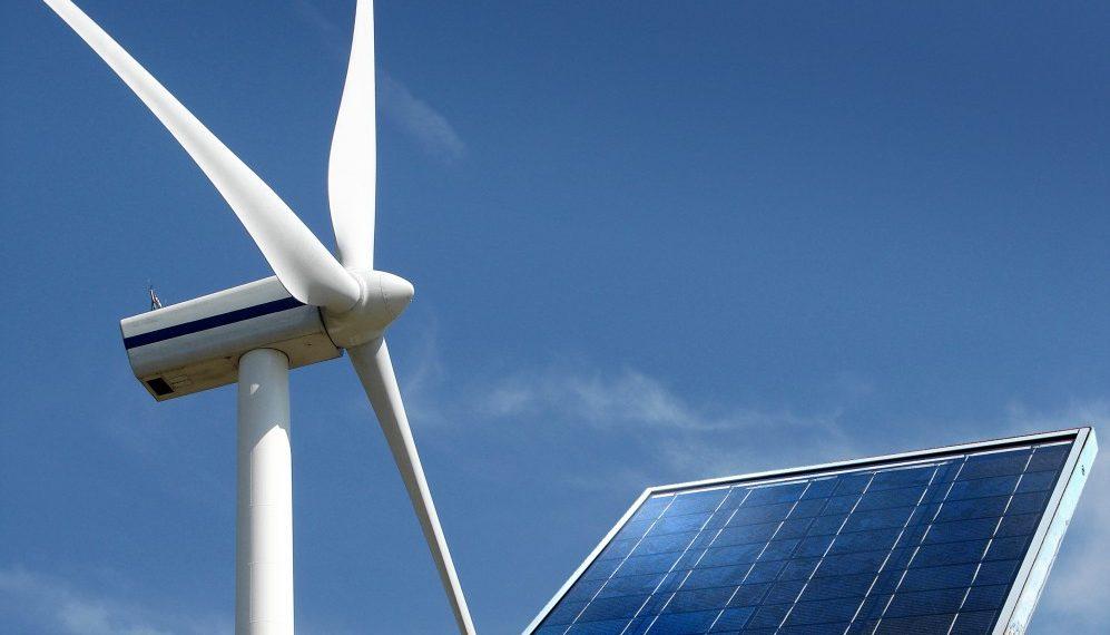 El Gobierno prorroga la firma de contratos de energías renovables